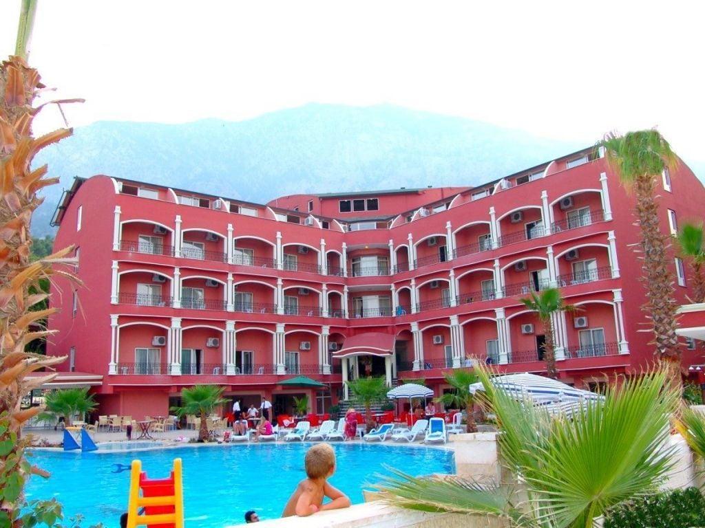 Armir Palace