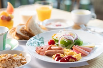 HOTEL SUNROUTE KYOTO KIYAMACHI Breakfast buffet