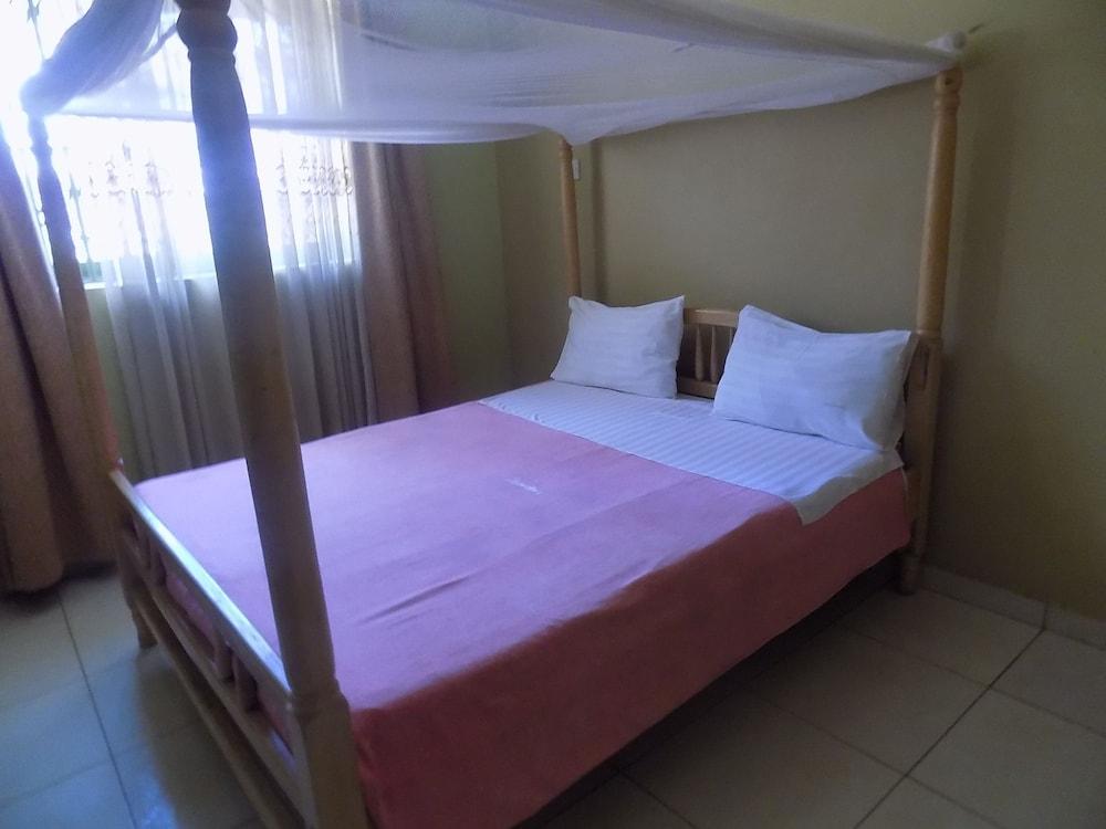 Etana Motel, Kampala