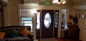 hotelktown photo