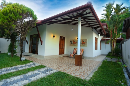Villa 26, Galle Four Gravets