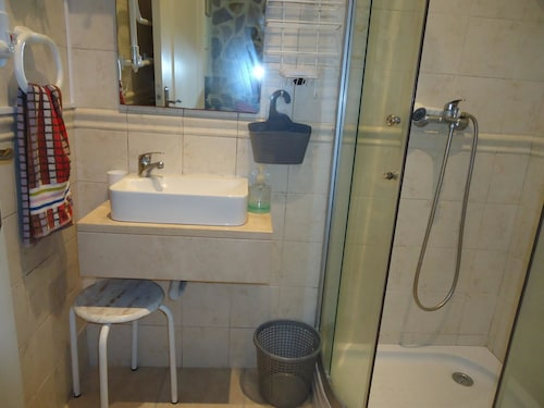 Studio In Setubal, With Wonderful City View And Balcony - 8 Km From Th, Setúbal
