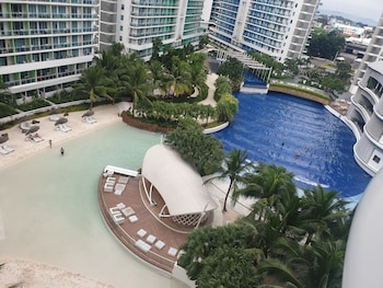 FAMILY CONDO BY IA @ AZURE URBAN RESORT RESIDENCES Beach/Ocean View
