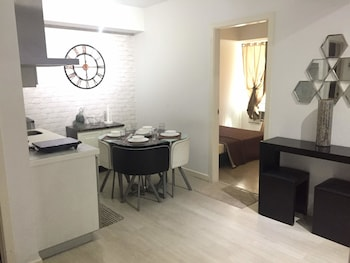 FAMILY CONDO BY IA @ AZURE URBAN RESORT RESIDENCES In-Room Dining