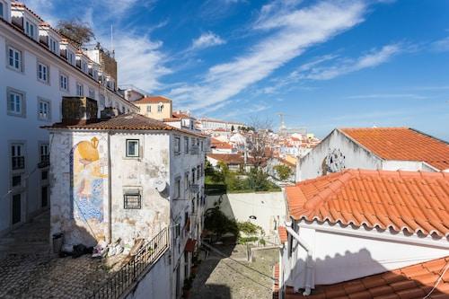 Alfama Loft Studio Loft Apartment w/ River View - by LU Holidays, Lisboa