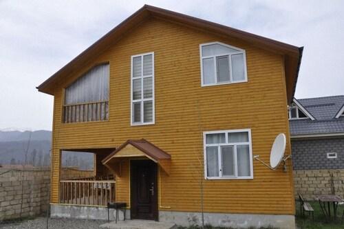 Qechresh Villa Lux, Quba