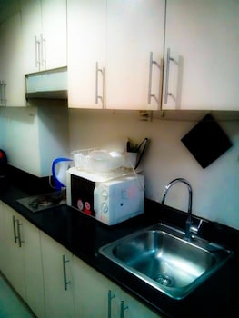 JERICHO'S PLACE AT SEA RESIDENCES Private Kitchenette