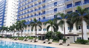 JERICHO'S PLACE AT SEA RESIDENCES Outdoor Pool