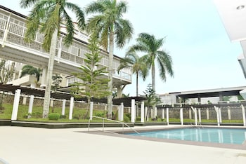 WHITEWOODS CONVENTION & LEISURE HOTEL Outdoor Pool
