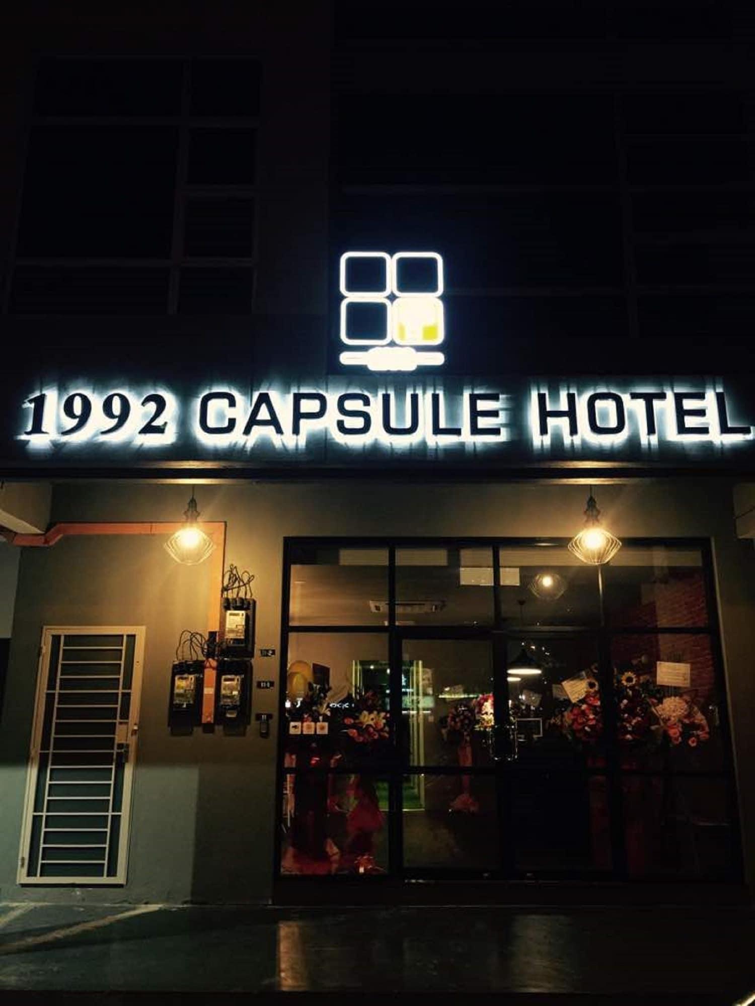 1992 Capsule Hotel - Hostel, Kota Melaka