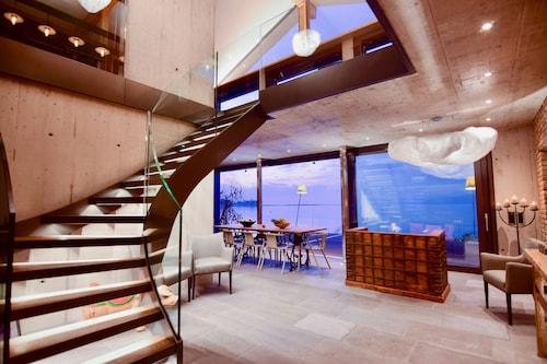 NEW 3BD Luxury Villa on the Geneva Lake, Aigle