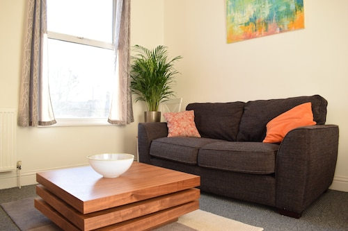 Putney 1 Bedroom Apartment, Richmond upon Thames