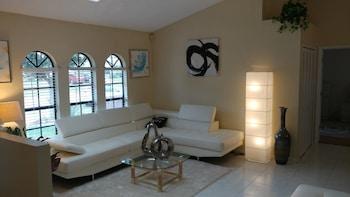 Avis House