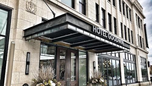 Hotel Goodwin, Rock