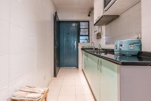 Cozy Apartment Best Location 125, Shanghai