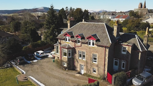 Fir Tree Bed and Breakfast at Galvelbeg House, Perthshire and Kinross
