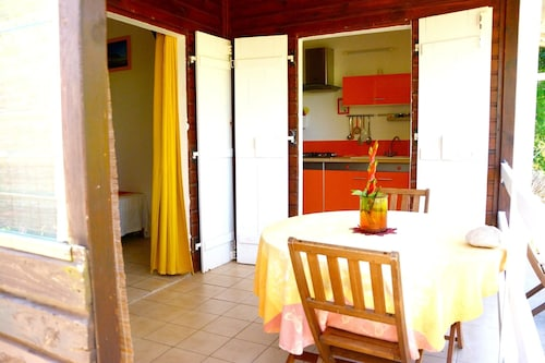 Bungalow With one Bedroom in Pointe-noire, With Furnished Garden and W, Pointe-Noire