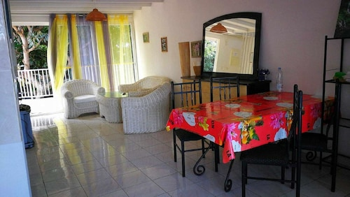 Apartment With 2 Bedrooms in Section Bois de Nefles, With Wonderful se, Saint-Paul