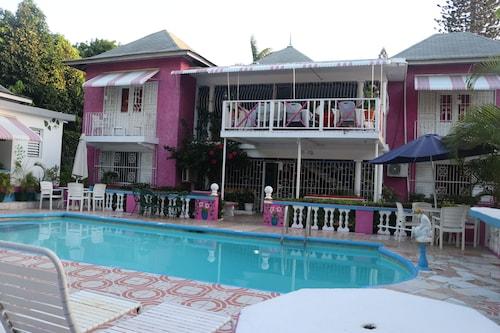 Hibiscus Hostel,
