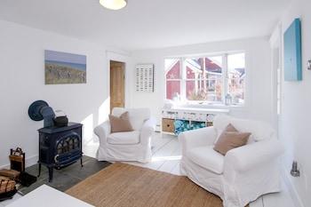 16 Alden St Home 4 Bedrooms 3 Bathrooms Home