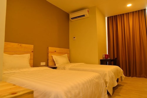 . Sg Paka Hotel