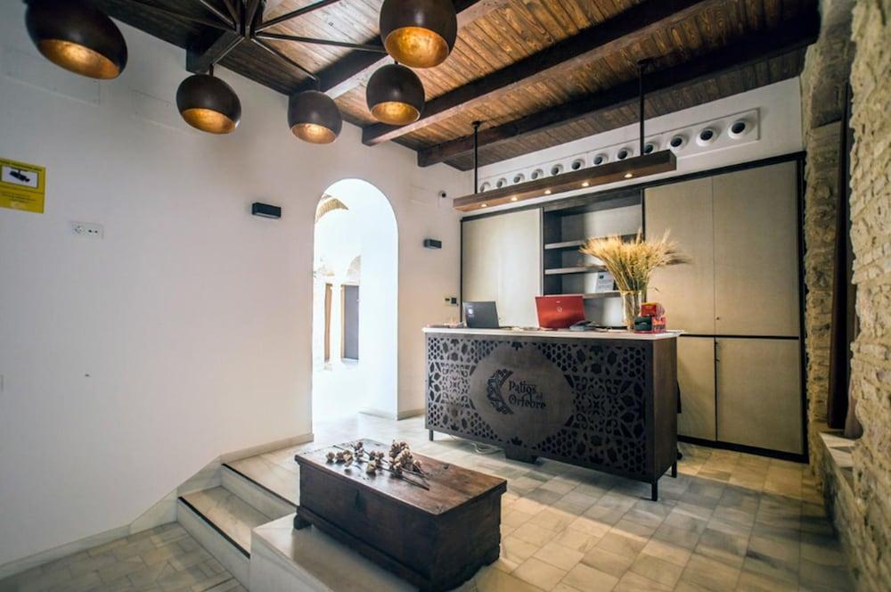 https://i.travelapi.com/hotels/24000000/23670000/23665800/23665789/6e40b500_z.jpg