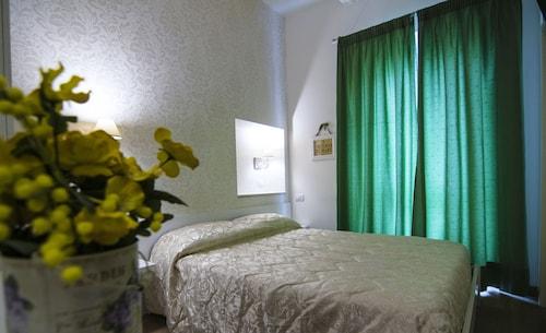 Il Giglio Verde, Fermo