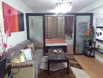1 BEDROOM CONDO @ ONE OASIS CONDOMINUIM Interior