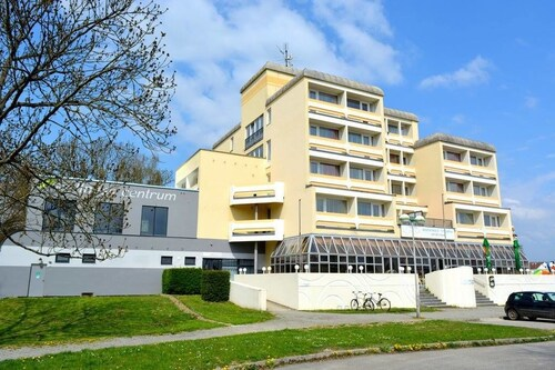 . Hotel Lucia