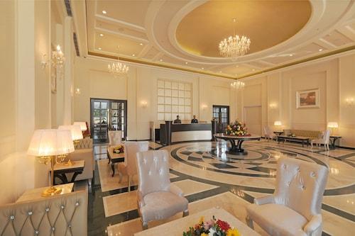 __{offers.Best_flights}__ Blue Saphire Clarks Inn Haldwani