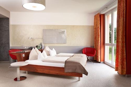 . Hotel Maxlhaid
