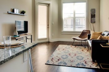 Luxurious 1BR Dilworth Apt on Greenway