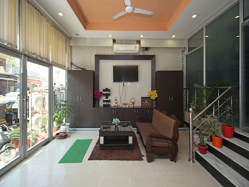 OYO 576 Hotel Shree Kanta Residency, Gurgaon