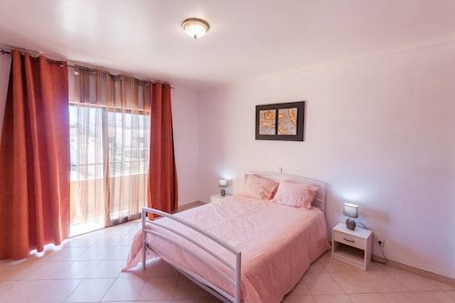 House With 2 Bedrooms in Albufeira, With Wonderful City View, Enclosed, Albufeira