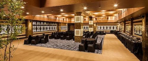 Tribecca Select, Gandhinagar