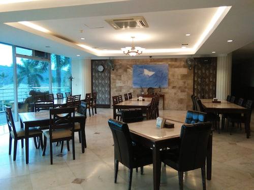 FA Korea C.C Golf Hotel, Mabalacat