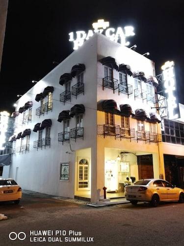 1 Day Car Hotel Station 18, Kinta