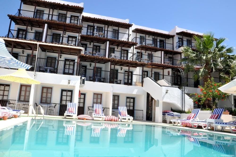 Gloria Tibi Jarra Hotel