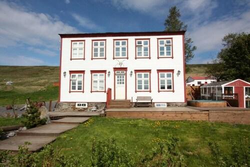 . Guesthouse Stóru-Laugar