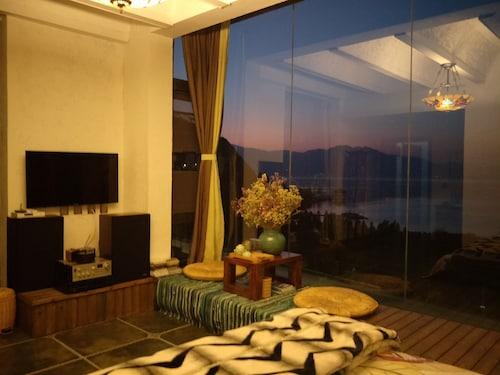 Fuxian Lake Huying Inn, Yuxi