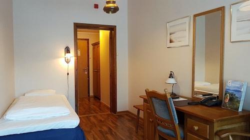 Bardu Hotell, Bardu