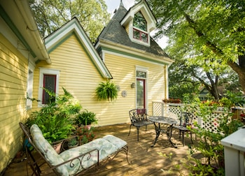 Hotel - Sugar Magnolia Bed & Breakfast