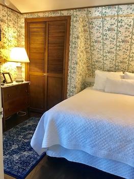 Room, Private Bathroom (Wedgwood Room)