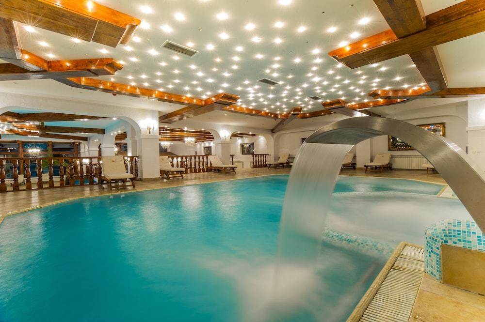 https://i.travelapi.com/hotels/24000000/23780000/23776800/23776797/2229d652_z.jpg