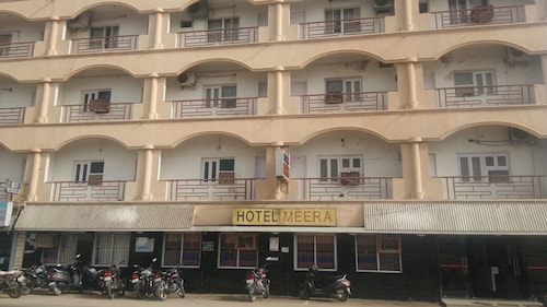 . Hotel Meera