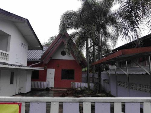 Saen Sbai Home, Muang Chiang Rai