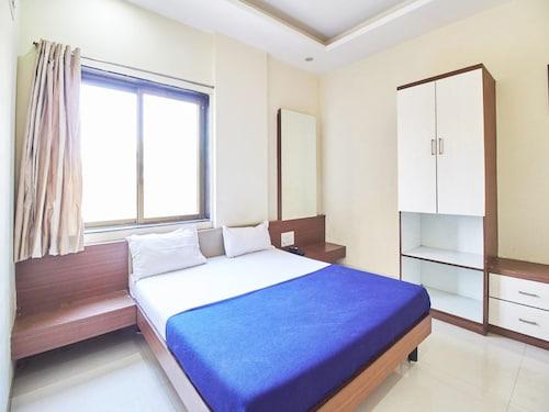 Hotel J K Palace, Ahmadnagar