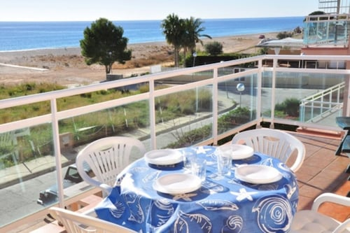 Apartamento Vista a la Playa Para 4 Personas en Hospitalet de L´infant, Tarragona