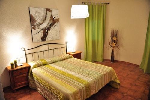 Casa Vista a la Piscina Para 8 Personas en Miami Playa, Tarragona