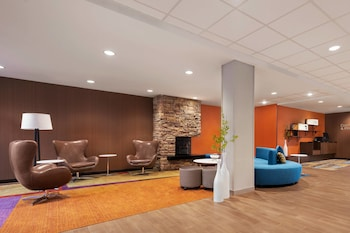 夏洛蒂鎮市中心 - 大學區萬豪套房費爾菲爾德飯店 Fairfield Inn & Suites by Marriott Charlottesville Downtown/University Area